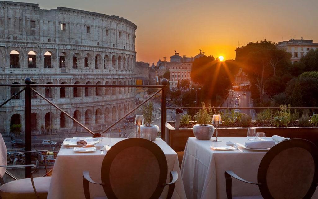 Сиволическая свадьба в Риме с видом на Колизей