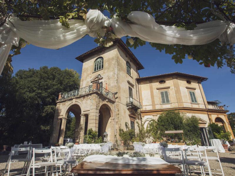 Официальная свадьба на роскошной исторической вилле в Тоскане